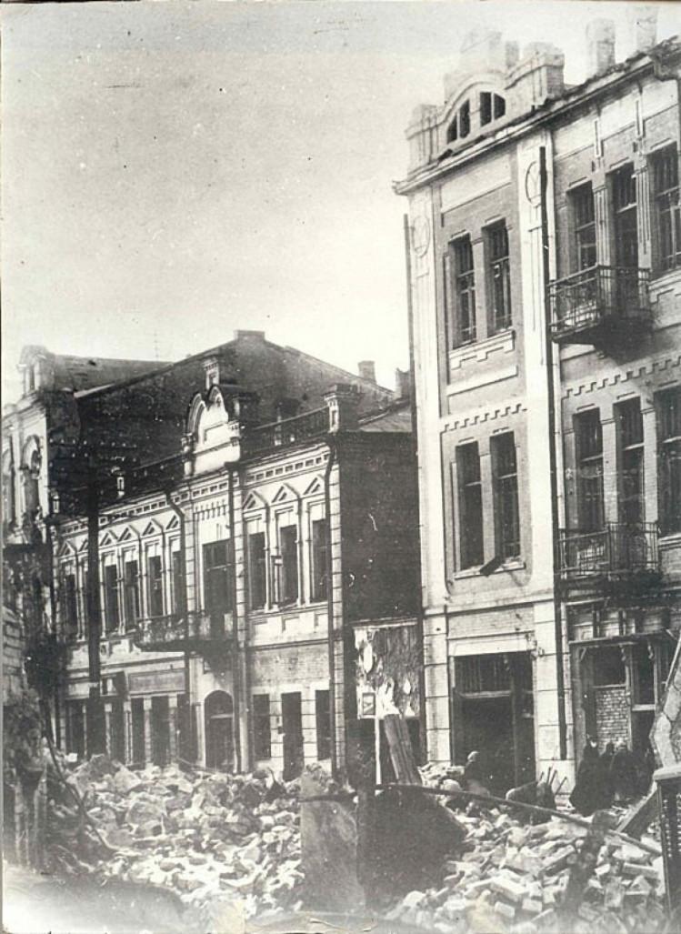 Луганск разбомбили 1943 год